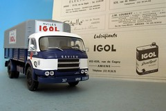 "SAVIEM JL21 ""Huiles IGOL"" (1/43) et pub d'poque (xavnco2) Tags: truck ads advertising plateau lorry oil trucks motor werbung amiens publicit huile olio 830 pubblicit cabine lkw scalemodels camions autocarro oel ixo diecastmodels modlesrduits igol altaya saviem bch lubrifiants jl21"