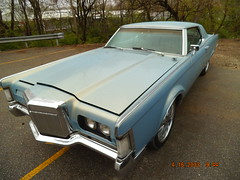 "1969 Lincoln Mark III • <a style=""font-size:0.8em;"" href=""http://www.flickr.com/photos/85572005@N00/8680126115/"" target=""_blank"">View on Flickr</a>"