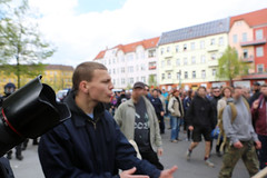 1.Mai 2013 Schneweide Antifa Aktion IMG_8805 (Thomas Rassloff) Tags: copyright berlin demo fotograf photographer thomas nazi protest picture pyramide rossi gegen aktion antifa sitzblockade schneweide 2013 rassloff