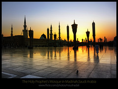 The_Holy_Prophet's_Mosque_Madinah (ArabianLens.com) Tags: reflection horizontal architecture outdoors photography dawn islam religion images mosque illuminated east getty medina spirituality middle saudiarabia distant traveldestinations almadinah buildingexterior placeofinterest largegroupofpeople colourimage gulfcountries incidentalpeople madinahmedinahajjmuslimislammohammedpbuhmakkahsaudiarabiaislamicartitechuremasjidnabawimosquerawlashaerifjennahziyarathminaretsgreendomeminaretspeople clearskyrawlasharif
