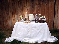 Eco wedding shabby chic style: wedding cake table (Alessandra Fabre Repetto) Tags: wedding inspiration paper table shoot fiori eco matrimonio carta tavola shabbychic creativo allestimenti alessandrafabrerepetto