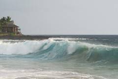 south swell at La'aloa (BarryFackler) Tags: ocean sea beach nature water ecology island hawaii polynesia coast marine surf waves pacific whitesands horizon shoreline pacificocean shore foam tropical coastline bigisland breakers aquatic seashore kona ecosystem kailuakona marineecology beachpark konacoast whitesandsbeachpark hawaiicounty magicsands aliidrive hawaiiisland 2013 southswell marineecosystem westhawaii northkona laaloabeachpark barryfackler laaloabeach barronfackler