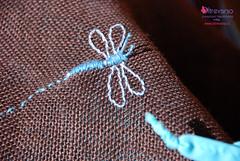 Libellula ricamata sulla borsa di iuta (OltreversoLab) Tags: dragonfly borsa libellula uncinetto crochetbag jutebag sacaucrochet asasdelabolsa handlesofthebag