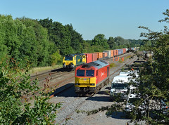 70016 and 60020 at Kingsbury (robmcrorie) Tags: train leeds rail class oil southampton 70 freight 60 warwickshire kingsbury tanks humber freightliner 60020 70016