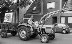 Trecker Oldtimer Rallye - 005_Web (berni.radke) Tags: treckeroldtimerrallye rallye trecker oldtimer lanz bulldog deutz schlter johndeere newholland fendt hanomag fahr leopard wesseler mccormick allgaier man traktor lette kartoffelmarkt