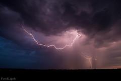 Coup de foudre (Chronique d'un chasseur d'images) Tags: pluie rain storm tempte orage thunder thunderstorm thunderclap flash lightning coupdefoudre clair night nuit tonnere foudre