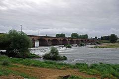 Nevers (Nivre) (sybarite48) Tags: nevers france pont brcke bridge   puante  ponte  brug most  kpr loire fleuve fluss river   ro  fiume  rivier rzeka rio  nehir nivre