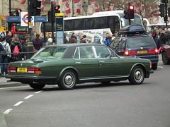 Bentley Mulsanne (kenjonbro) Tags: uk england green westminster 1982 rear trafalgarsquare charingcross bentley sw1 mulsanne worldcars kenjonbro fujifilmfinepixhs10 hrh11v