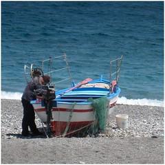 2012 Sicilia (farsergio) Tags: travel sea italy man beach boat europa europe italia mare barche uomo sicily viaggio spiaggia vacanza sicilia messina rete farsergio scalettazanclea ixus980is progetto48x30