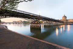 Pont des Arts (Julien Fromentin - Photographe) Tags: world city bridge light urban paris france art history monument seine architecture digital photoshop sunrise de french effects photography la town photo cadenas nikon europe long exposure flickr raw shot cit capital arts ile full locker frame pont manual capitale fullframe nikkor neuf dri f28 institut hdr ville parisian francais citt d800 blending lightroom effets 2470mm parisien photomatix 24x36 2013 fromentin fromus colocacin cuida traitements fromus75