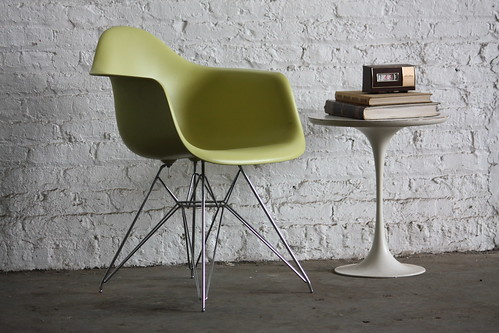 ***SNEAK PEEK***Impressive Eames Eiffel Shell Armchair DAR for Vitra