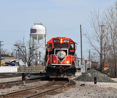 Here Comes the Hahbah (The Mastadon) Tags: road railroad chicago train illinois midwest rail railway trains il transportation locomotive railroads chicagoland douchebag flatlander midwestern 4262013