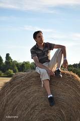 Arnaud (Bonnefoi_S) Tags: portrait nikon ami nikkor d90 pailles bottedepaille nikond90
