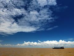 Tonle Sap Lake (YG Low) Tags: fujifilm x30 travel siemreap cambodia asia lake sky
