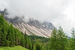 Funes_14_110 (MDario65) Tags: valle cielo sentiero alto alpi montagna trentino dolomiti tirolo adige nubi funes boschi odle
