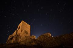 Cuando salga la luna... (Jos Ferrando) Tags: aragn canon6d ecuadorceleste muralla samyang14mm teruel estrellas nocturna