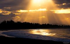 Heaven's door (Dadou Hirina) Tags: sun sunset sunray color sea beach madagascar