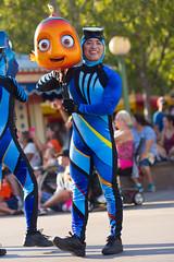 Pixar Play Parade (jodykatin) Tags: pixarplayparade disneycaliforniaadventure nemo diver