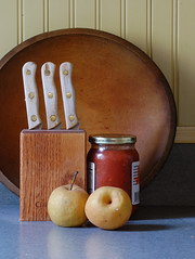 The Old Wooden Bowl (David Pilarczyk) Tags: bowl woodenbowl kitchen stilllife kitchenstilllife knives pears salsa