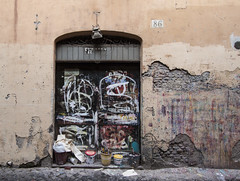 Studio, Campo de' Fiori (new folder) Tags: italy rome roma studio graffiti paint doorway campodefiori