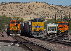 UP 8010 Victorville, CA (Slug96) Tags: santa railroad david up canon photography eos desert pacific union railway trains fe needles ge freight bnsf victorville barstow emd 60d transcon carballidojeans