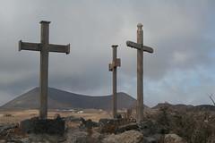 Cruces de El Jable Feb13 LZ (lanzarote rural) Tags: spain lanzarote canarias cruz cristiana volcán agricultura jable senderojablefeb13lz