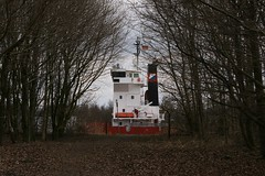 da steht ein schiff im wald (joe.laut (offline for a while)) Tags: strange ship surprise april oops he schiff nordostseekanal okay nok aha nanu wieso falsch 2013 berraschung joelaut dasgehrtdanichthin nundenn
