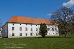 Grad crnelo_02 (gregork.) Tags: blue sky panorama landscape slovenia grad oblaki turnše