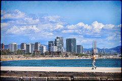 Pasarela Bogatell (Modest Minguella (On/Off)) Tags: barcelona chimney beach clouds playa nubes chimeneas platja núvols bogatell xemeneies canoneos500d tamrom70300mm santadriá mygearandme rememberthatmomentlevel1 vigilantphotographersunite pasarelabogatell
