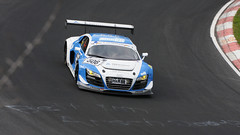 Bett im Arsch :) (Lightnomad) Tags: auto car tarmac racetrack race racecar canon germany racing gt asphalt panning rennen nuerburgring sportscar inmotion raceway twop mitzieher nordschleife bewegungsunschrfe sportwagen greenhell audir8 grnehlle hoheacht rennwagen ef70200f4 worldcars eos40d rundstreckenchallengenrburgringevimadac