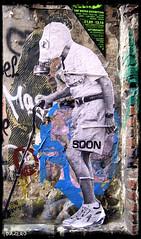 SOON_006 (ThEdAzErO) Tags: stencils berlin art up photography fotografie paste urbanart soon gasmasks berlinstreetart streetartberlin dazero streetartfotografie