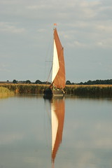 Thames Sailing Barge (ROYMCP) Tags: reflection suffolk nikon thamessailingbarge snapemalting