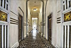 Couloir hdris (MathieuL33) Tags: hall nikon corridor tokina hdr fontromeu htel d90 couloirs