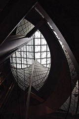 Looking up at the Occulus, next to the Elevator, new Transit Centre. (sjnnyny) Tags: publicspace modernarchitecture occulus fultontransitcenter pentaxk3