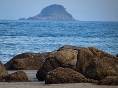 infinito (Gigica Machado) Tags: praia plage beach bertioga brasil rocks sand sea bluesea nature naturelovers blue azul bleu