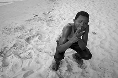 Yeah... I'm the one... or the second one... (Srgio Miranda) Tags: photography sergiomiranda africa beach fujifilm fujix fujix100t moz mozambique moambiquepemba peopletravelphotography photo street streetphotography urban x100 x100t bw blackandwhite bwstreet boy