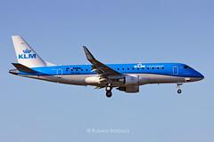 Embraer E175 EXI-578 KLM Cityhooper @ SBSJ/SJK (Rubens Barbosa) Tags: rat e175 klm cityhooper sjk sbsj
