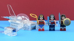 Wonder Women (Alex THELEGOFAN) Tags: lego super heroes woman wonder minifigures minifigure movie minifig minifigs minifigurine dc comics invisible jet ship shield bird sword diana prince red blue legography