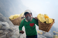 java - ijen (peo pea) Tags: hard work java giava miners minatore sulfur reportage zolfo cratere crater volcano vulcano ijen