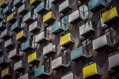 Habitabilidad (Claudio ) Tags: habitable domicilio departamento ventanas balcones arquitectura chile santiago muros