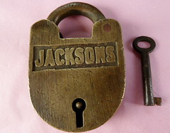 Sold - I277N Victorian (1850s - 1870s) Jacksons padlock of brass (newlyn.antiques) Tags: key victorian 1860s 1850s padlock jacksons 1870s