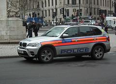 Met Police JZY (kenjonbro) Tags: uk england london westminster silver trafalgarsquare bmw guns suv charingcross 2012 sw1 armed x5 arv metroploitanpolice worldcars armedresponseunit kenjonbro xdrive30d fujifilmfinepixhs10 jzy bu12axp