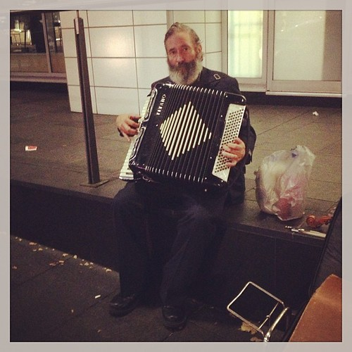 "#accordion #busker #sydney • <a style=""font-size:0.8em;"" href=""http://www.flickr.com/photos/35408999@N00/8637865896/"" target=""_blank"">View on Flickr</a>"