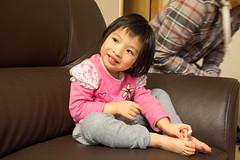 Use Garlic to cure the mosquito bite (anthonyleungkc) Tags: girl lumix hongkong child hannah olympus panasonic asph f28 omd lightroom vario m43 mft em5 1235mm microfourthirds x1235