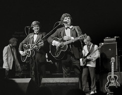 The Everly Brothers, Don and Phil Everly (martin alberts1) Tags: royalalberthall rockandroll theeverlybrothers martinalberts petewingfield doneverly phileverly blinkagain philcranham