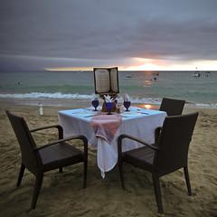 ~beach dining~ (uteart) Tags: ocean sunset table mexico restaurant sand chairs romantic puertovallarta sisenor whitetablecloth amapas zonaromantica losmuertosbeach beachdining utehagen uteart copyrightutehagen2013allrightsreserved puertovallartabahiadebanderasjalisco