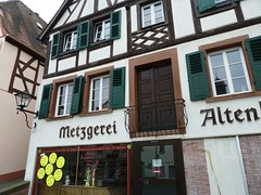 Metzgerei Altenhofer (micky the pixel) Tags: building germany deutschland haus schaufenster altstadt gebude shopwindows metzgerei saarland fachwerk ottweiler type:face=weisrundgotisch
