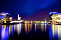 Quays - 119 seconds (benduh) Tags: bridge delay war time salfordquays millennium imperial lowry museam
