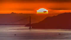Sunset Flight (Eric Dugan) Tags: silhouette nikon floating goldengatebridge blimp sanfranciscobay marinheadlands sunet califonia farallonislands d7000