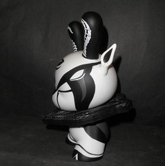 The Hunted by Colus Havenga X Kidrobot 02 (mikaplexus) Tags: bw favorite white black art toy toys blackwhite designer kidrobot wicked collectible limited rare limitededition collectibles dunny arttoy designertoys hunted arttoys toy2r thehunted dunnys designervinyl ireallylike i3toys colus havenga i3dunnys